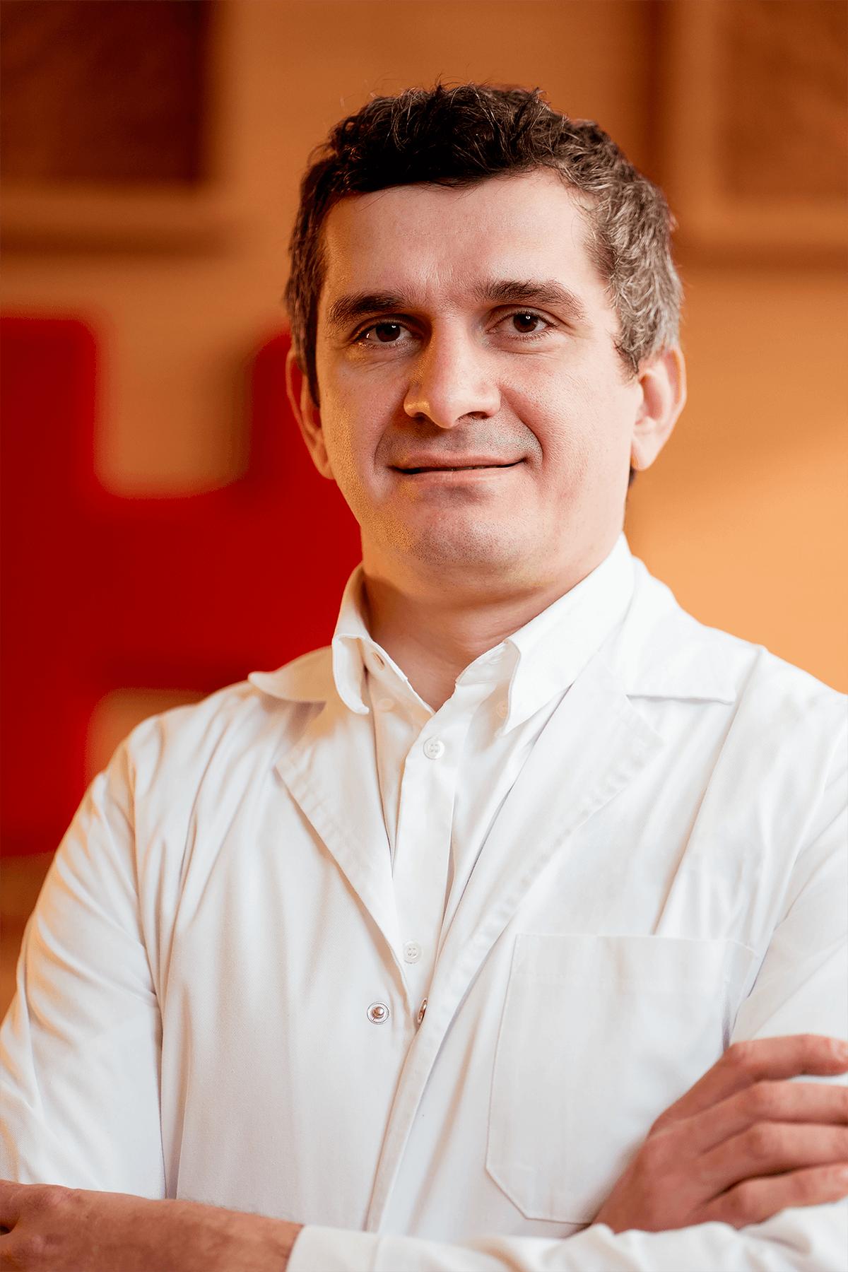 Dr. Ionuţ Gobej