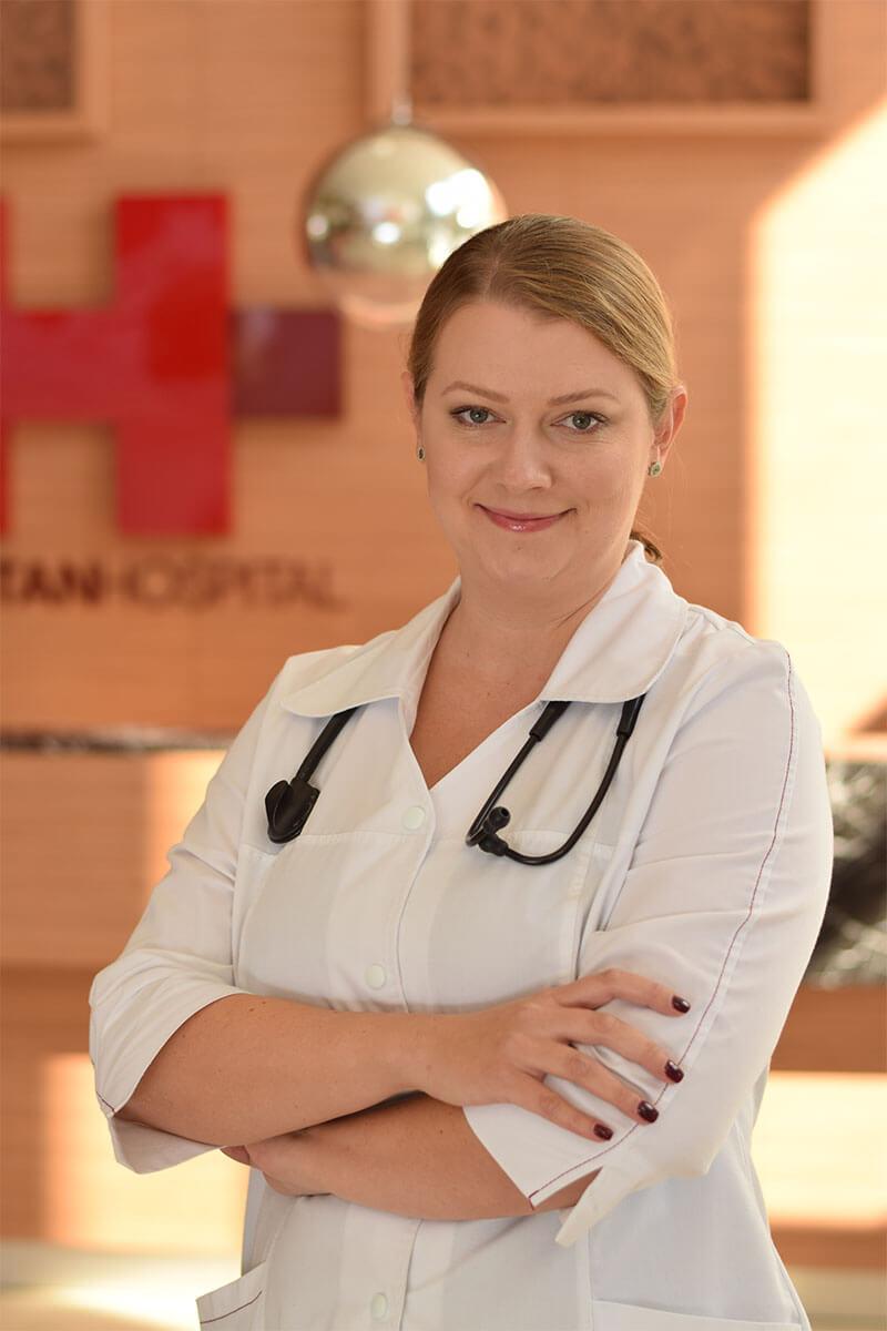 Dr. Mihaela Parnia